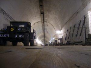 Wnętrze schronu kolejowego